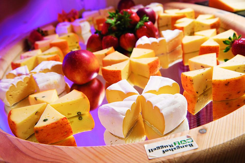 Feiern auf dem Bauernhof mit frischen Käsespezialitäten vom Bangshof
