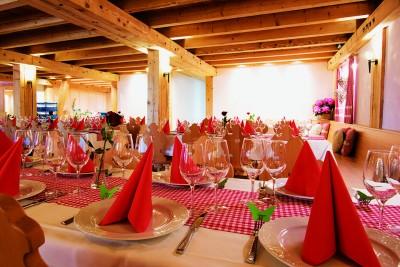 Hochzeitsfeier auf dem Bauernhof, Bangshof Ruggell
